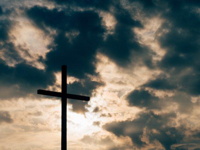 Vi kommer att sända andakter och gudstjänster på vår Facebooksida.